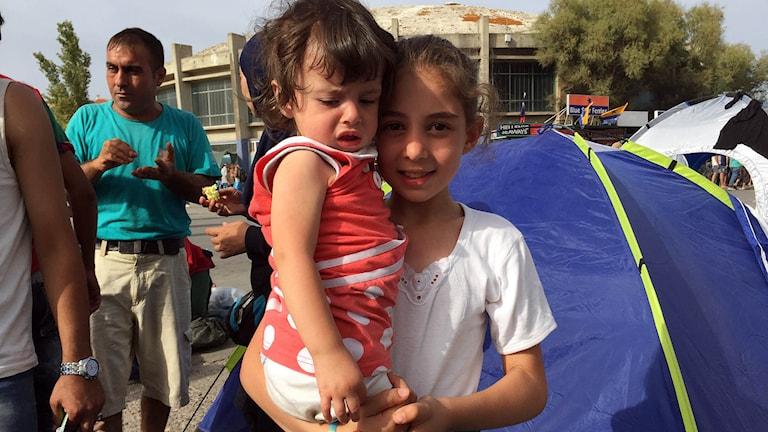 Flyktingar Lesbos Flyktvägen Jana och Rhama på Lesbos