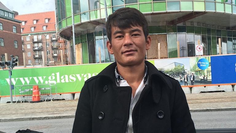 Jamaluddin, 16 år från Kabul, vill stanna i Sverige. Foto: Anna Bubenko/Sveriges Radio