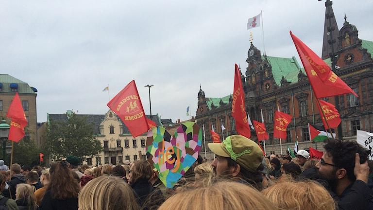 Omkring 4 000 personer samlades på Stortorget i Malmö. Foto: Anna Bubenko/Sveriges Radio.