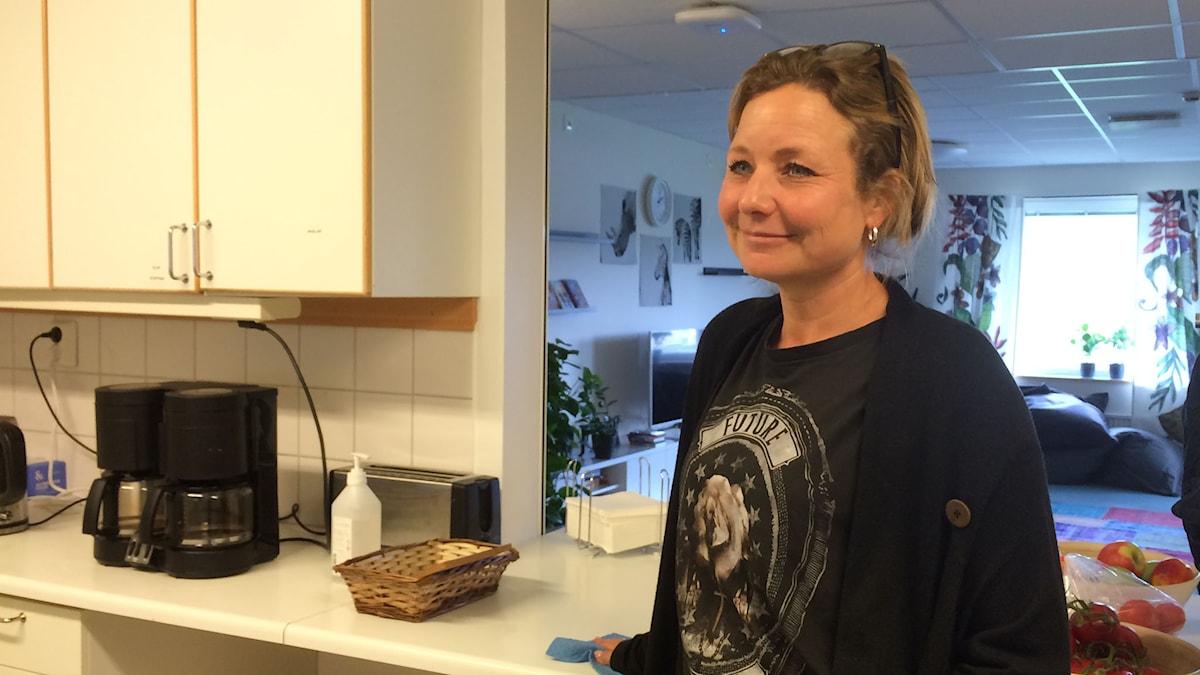 Matilda Brinck-Larsen som är gruppchef på asylboendet för ensamkommande ungdomar i Kärra i Göteborg. Foto: Carina Holmberg/Sveriges Radio