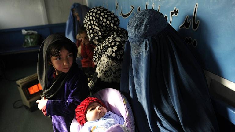 Afghanska kvinnor får undervisning om familjeplanering i Kabul. Foto: Marie Stopes International