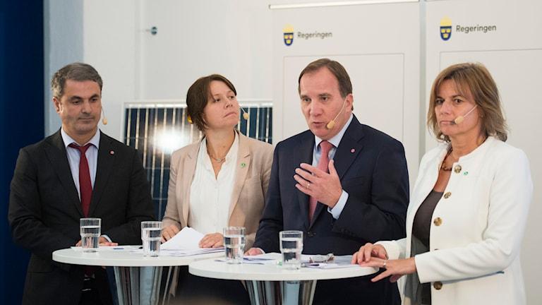 ostadsminister Ibrahim Baylan (S), miljöminister Åsa Romson (MP), statsminister Stefan Löfven (S) och biståndsminister Isabella Lövin (MP)