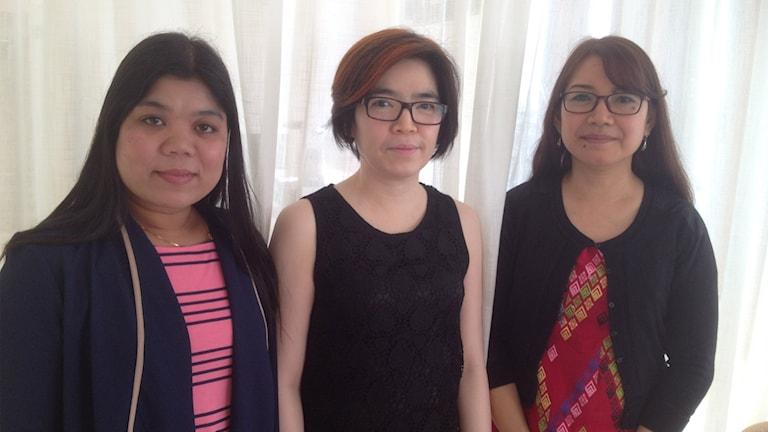 Människorättsförsvararna Su Su Swe, Theinny Oo och Khin Ohmar. Foto: Emelie Rosén/Sveriges Radio.