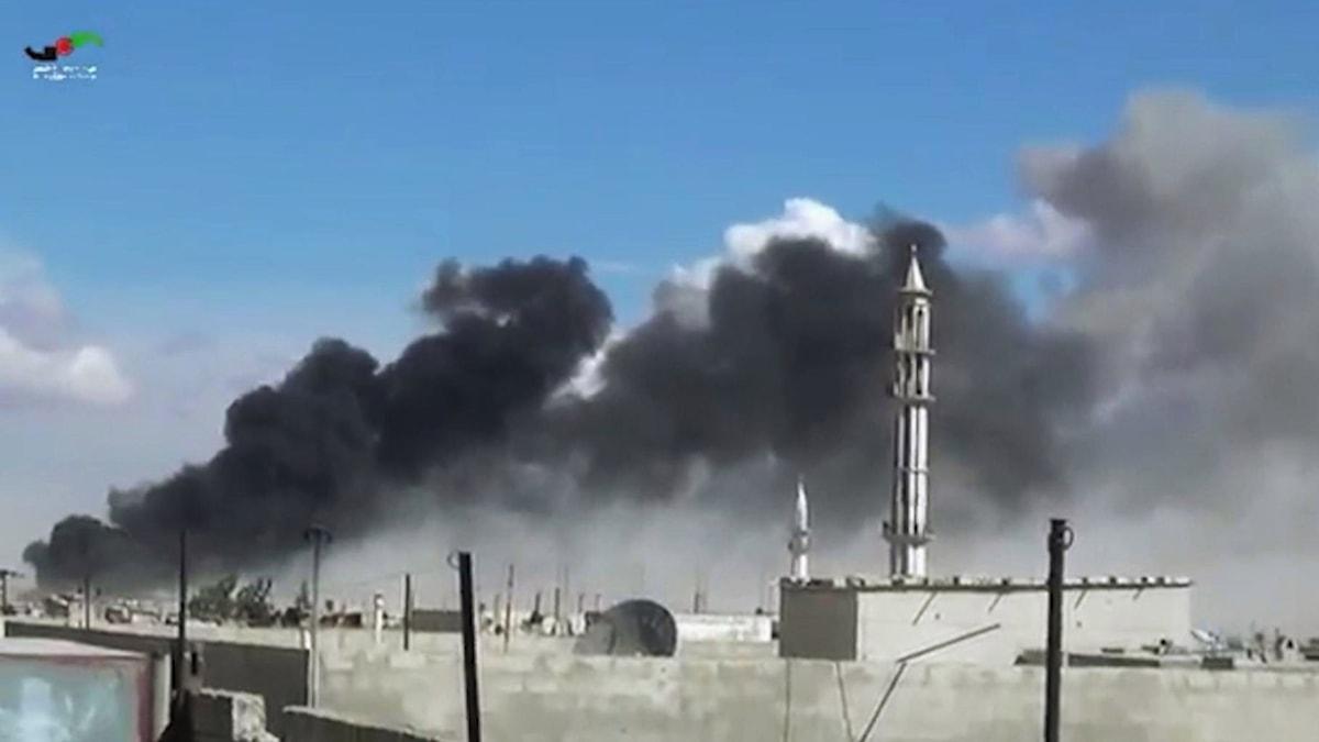 Bild som uppges visa ryska flygattacker i Syrien. Foto: TT.