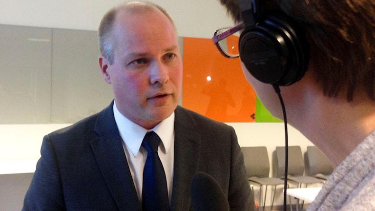 Sverige står inför stora utmaningar, enligt migrationsminister Morgan Johansson. - Det kommer att bli en svår höst. Det kommer att bli svårare innan det blir bättre. Men vi kan klara det här som land, sade han på lördagen vid en presskonferens. Foto: John Alexander Sahlin/TT.