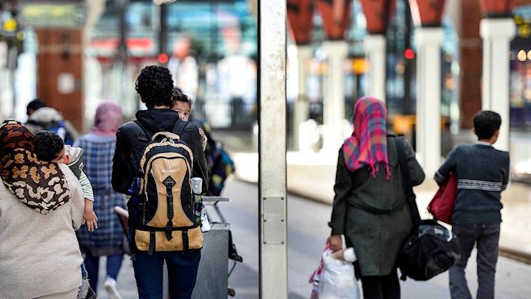 Nyanlända flyktingar på Malmö Central. Foto: Anders Wiklund / TT.
