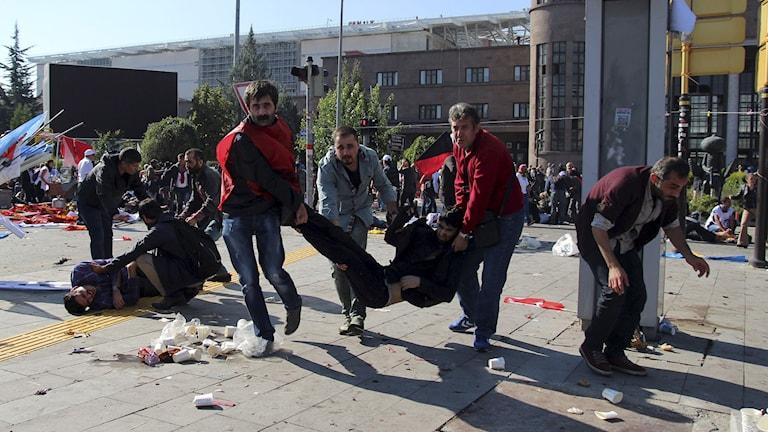 Många döda i explotioner i Ankara Foto: Tumay Berkin/ Reuters