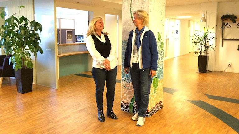 Britt Tallhage och Anna Aronsson vid flyktingmedicinska mottagningen i Göteborg.