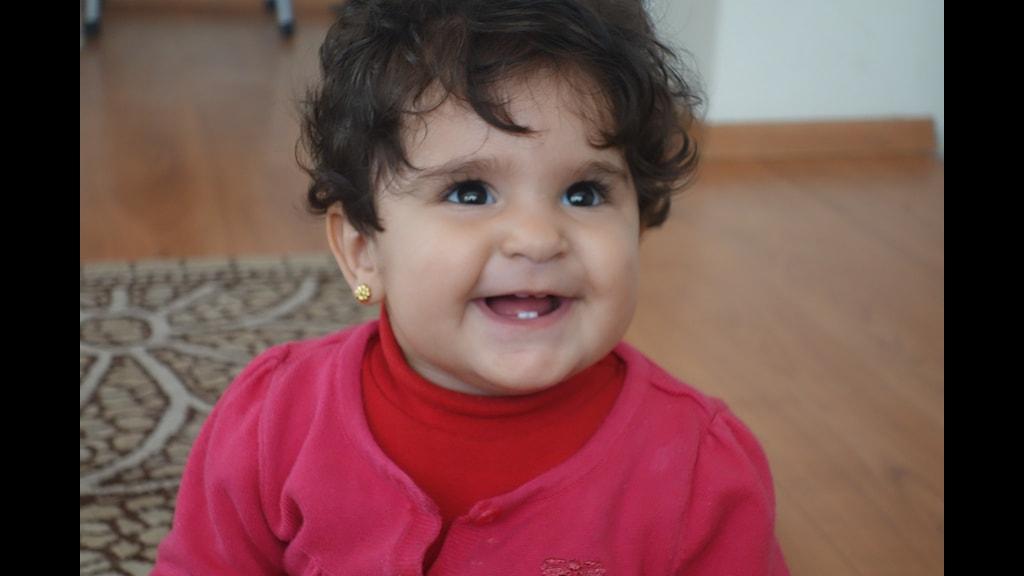 Joelle levde sina första månader i krigets Aleppo. Foto: Katja Magnusson / Sveriges Radio