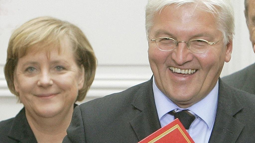 Angela Merkel och Franz-Walter Steinmeir.