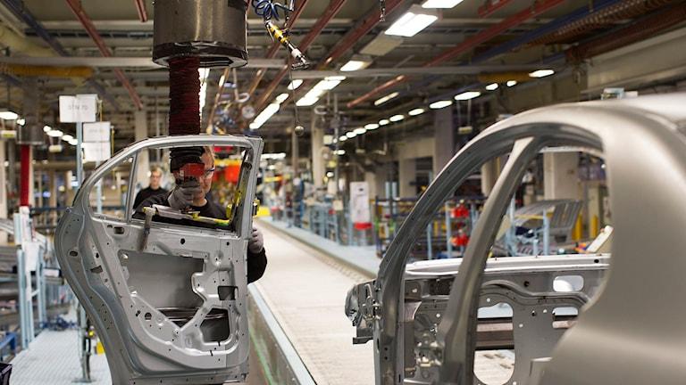 Tillverkning av en Saab 9-3 Aero Sedan i National Electric Vehicle Sweden AB, Nevs, fabrik i Trollhättan. Foto: Björn Larsson Rosvall/TT.