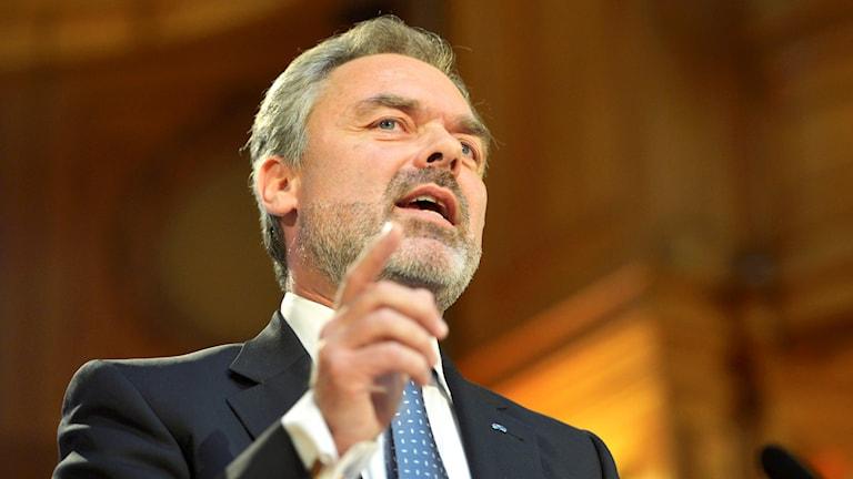 Folkpartiets partiledare Jan Björklund inleder partiets landsmöte i rIksdagshuset i Stockholm på fredagen. Foto: Henrik Montgomery/TT.
