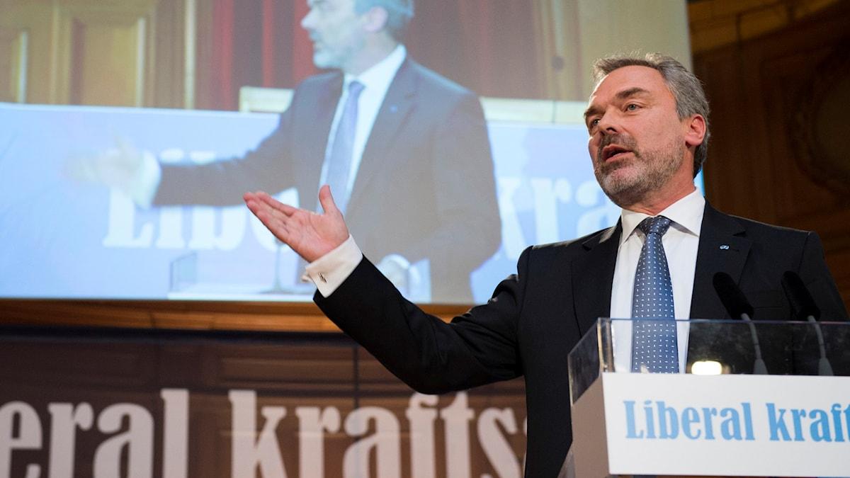 Folkpartiets partiledare Jan Björklund inleder partiets landsmöte i riksdagshuset i Stockholm. Foto: Henrik Montgomery/TT.