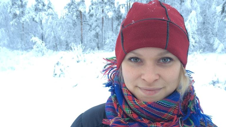 Jannie Staffansson representerar ursprungsbefolkningarna under klimatmötet i Paris. Foto: Ulf Larsson/ Sveriges Radio