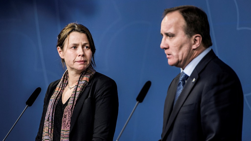 Miljöpartiets språkrör Åsa Romson och statsministern Stefan Löfven presenterar partiets migrationsuppgörelse. FotoLars Pehrson/SvD/TT.