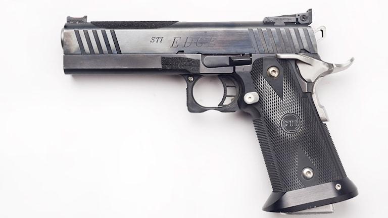En pistol. Foto: Staffan Löwstedt/TT.
