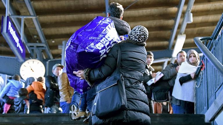 Flyktingar på centralstationen i Köpenhamn. Foto: Carsten Rehder/TT.