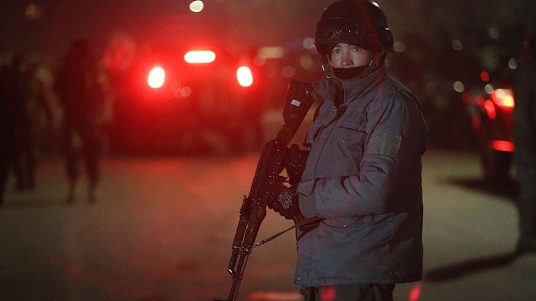 En medlem i det afghanska säkerhetsstyrkorna. Foto: Rahmat Gul/TT.