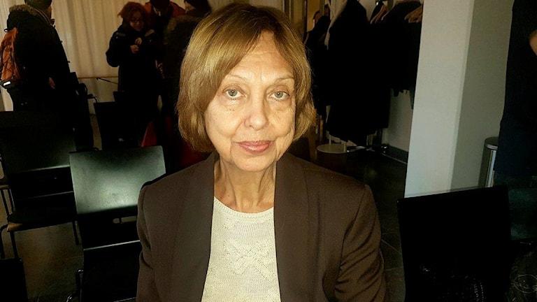 Mine Aydoslu, Författaren Ali Erdogans mamma
