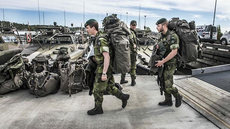 Bergabasen lastar inför den stora marinövningen Baltops som startar i Östersjön den 5 juni. Arkivfoto: Lars Pehrson/TT.