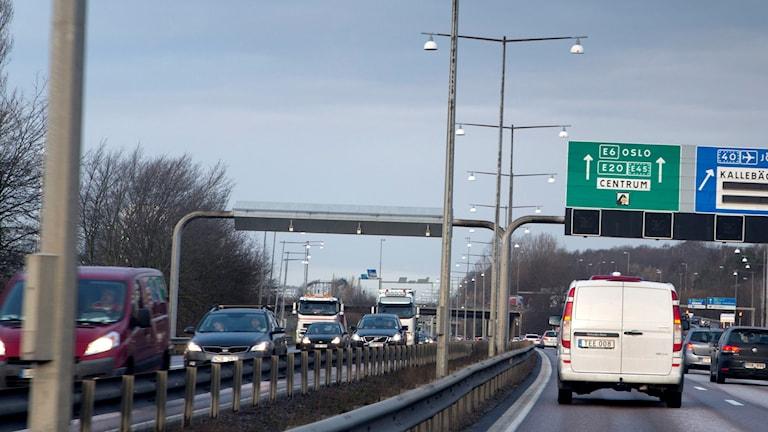 Trafiken två dagar före jul på E6:an i Göteborg. Foto Björn Larsson Rosvall/TT.