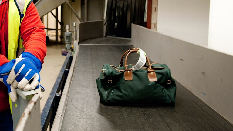 Väska på bagageband på Arlanda