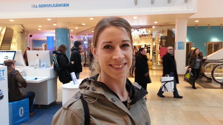 Christina Andersson är med i facket som hon tycker har en viktig roll, bland annat i löneförhandlingar. Foto: Anders Jelmin/Sveriges Radio.