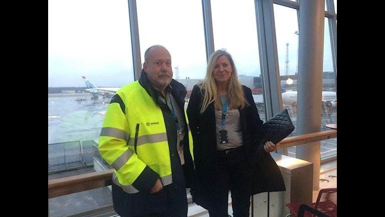 Två chefer på Arlanda flygplats. Foto: Stephanie Zakrisson/Sveriges Radio.