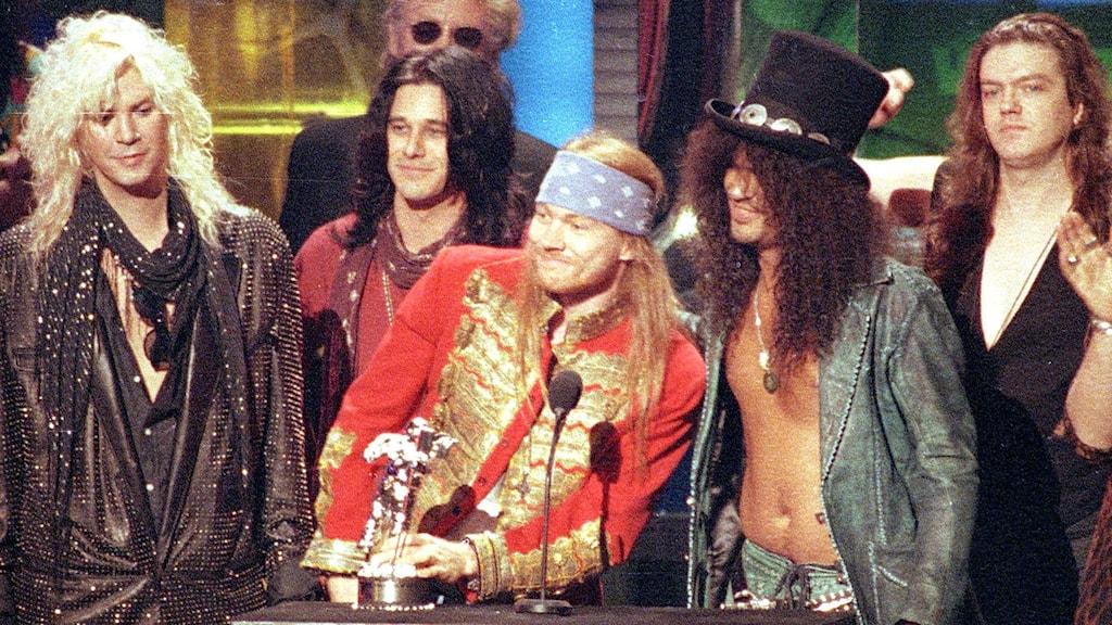 Guns 'n' roses vid MTV VMA 1992. Från vänster: Duff Mc Kagan, Gilby Clarke, Axl Rose, Slash och Dizzy Reed. Foto: Kevork Djansezian/TT