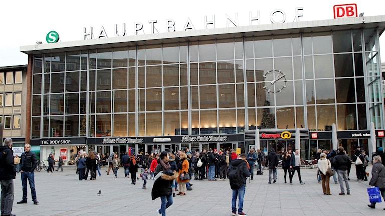 I tyska Köln har nu två personer gripits efter de massiva övergreppen mot unga kvinnor i Köln under nyårsnatten. Foto/Hermann J. Knippertz/AP