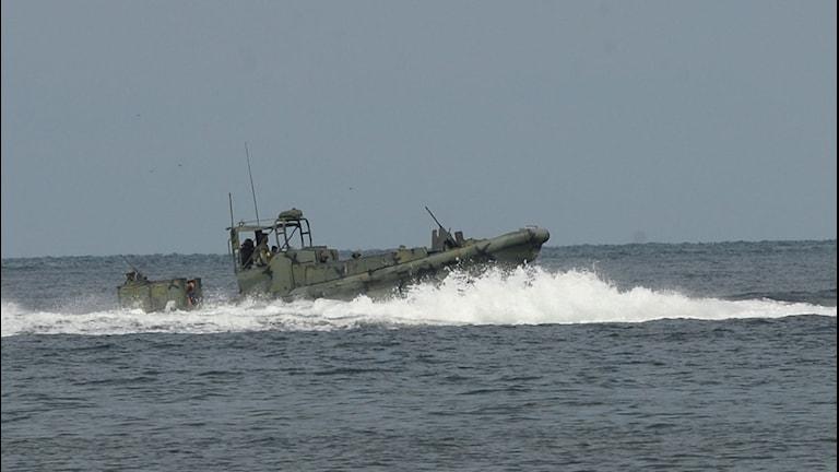 En patrullbåt till havs.