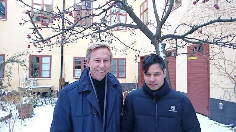 FN-tjänstemannen Anders Kompass och programledaren Martin Wicklin.