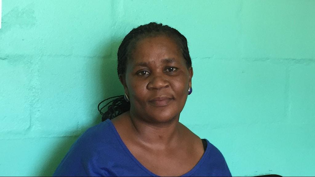 Nosphelele har druckit under två av sina fyra graviditeter och fått alkoholskadade barn. Nu vill hon hjälpa andra Sydafrikanska mammor. Foto: Johan Bergendorff / Sveriges Radio