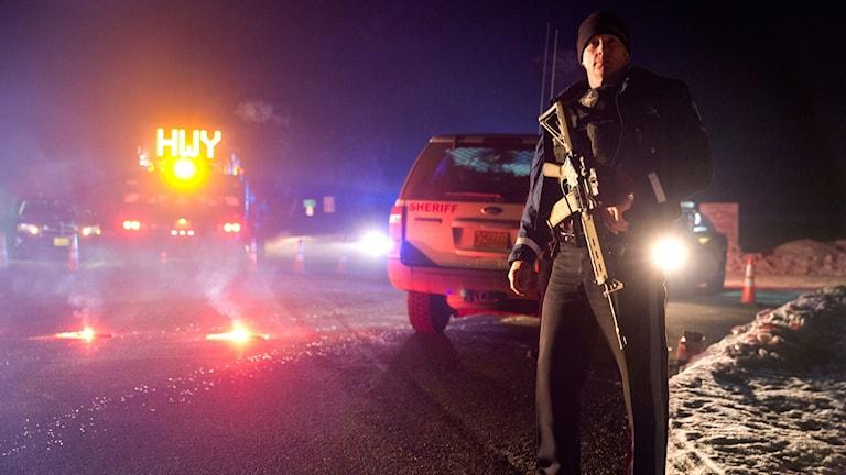 Polisen spärrar av området runt naturreservat i Oregon där polisen genomförde en insats mot ockupanterna. Foto: Dave Killen/AP/TT.