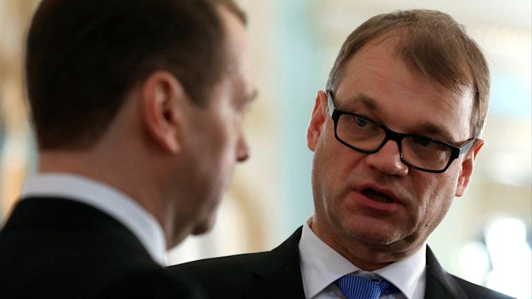 Finlands statsminister Juha Sipilä och ryska premiärministern Dmitrij Medvedev. Foto: Yekaterina Shtukina/TT.