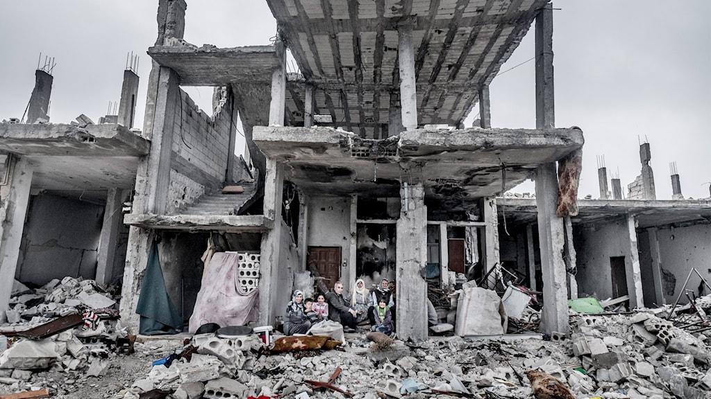Kobane är i spillror efter IS-attack.