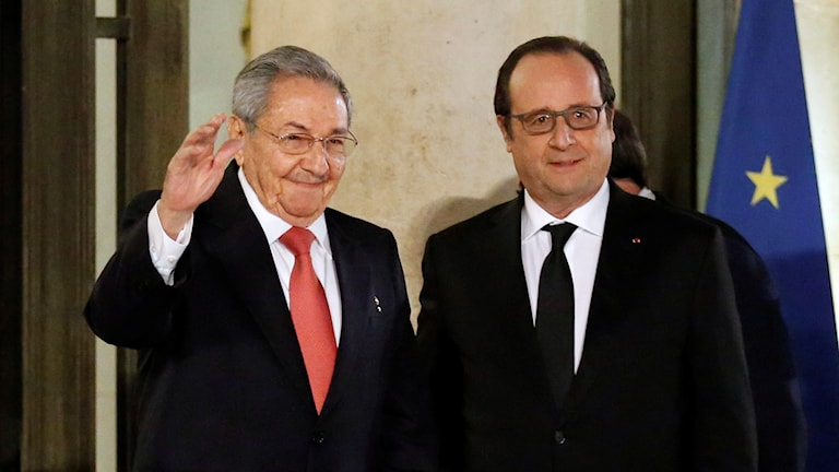 Kubas ledare Raul Castro och Frankrikes president Francois Hollande. Foto: Francois Mori/ AP