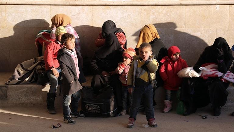 En turkisk humanitär organisation har försett nyhetsbyrån med denna bild som visar syriska flyktingar vid gränsövergången Bab-al Salam.