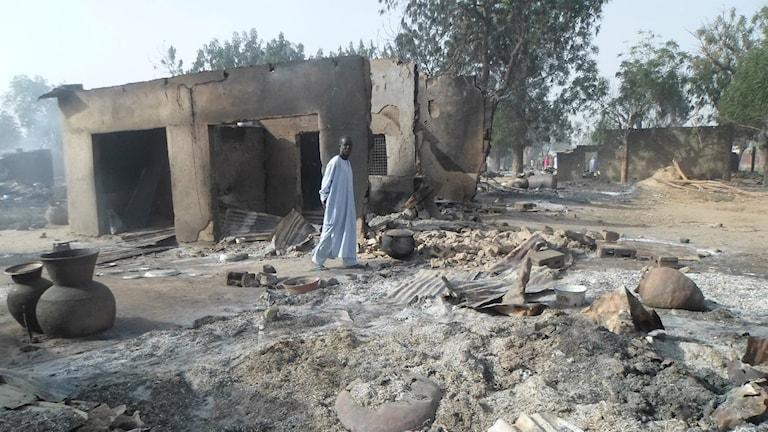 Förödelsen efter Boko Harams attentat i byn Dalori i Nigeria tidigare i år. Foto: AP