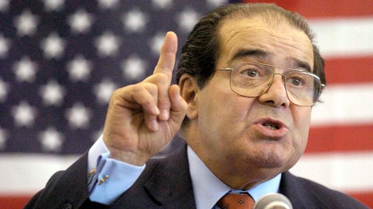 Den konservative domaren i USA:s högsta domstol, Antonin Scalia, har avlidit.