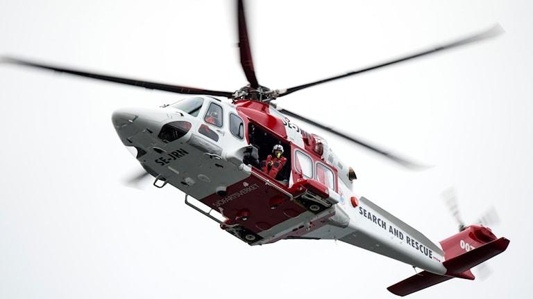 Sjöfartsverkets räddningshelikopter Lifeguard 007 (AW 139 SE-JRN). Foto: Johan Nilsson/TT.