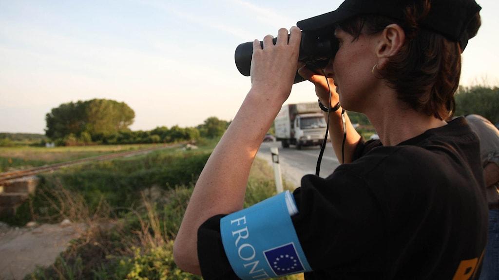 En gränsvakt från Frontex vid grekisk-turkiska gränsen. Arkivbild.