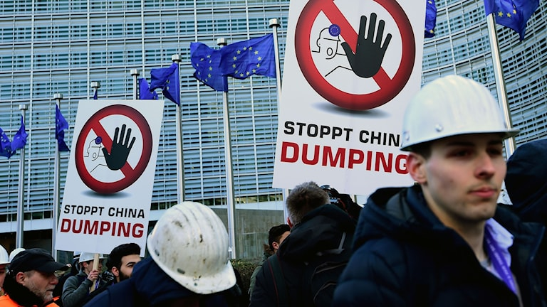Protesterande stålverksarbetare i Bryssel ca 15 februari.
