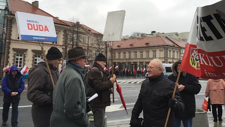 Demonstration i Warszawa till stöd för Polens president Andrzej Duda och regeringspartiet Lag och Rättvisa.