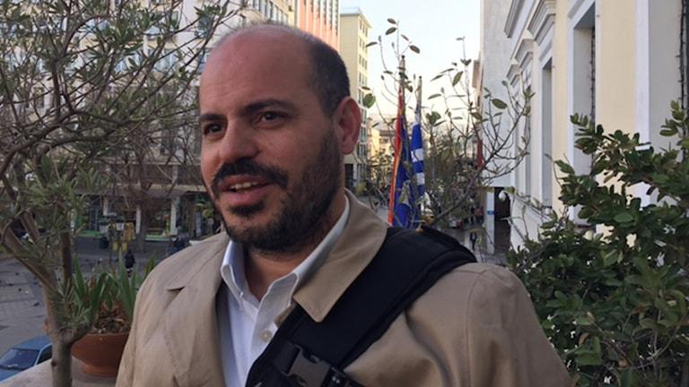 Lefteris Papayanakis i Atens stadshus skulle vilja kunna planera för flyktingarna .