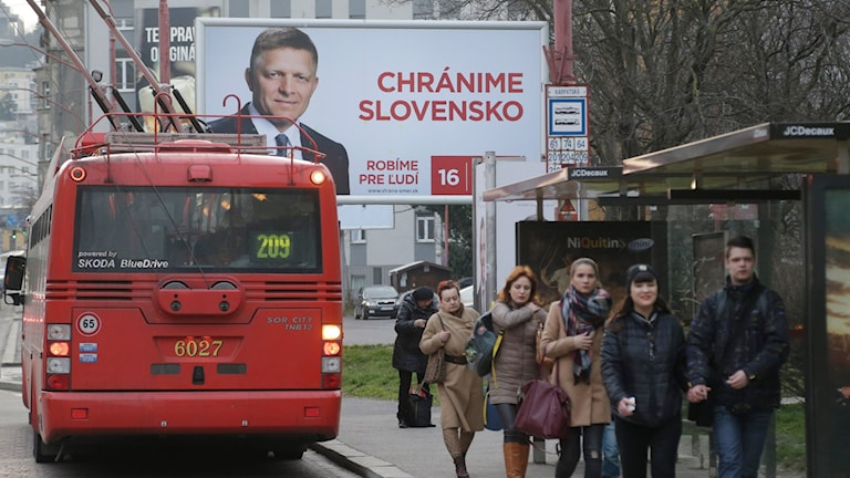 Robert Ficos valkampanj syns på gatorna i Bratislava, Slovakien.