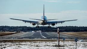 Самолет садится в Арланде.