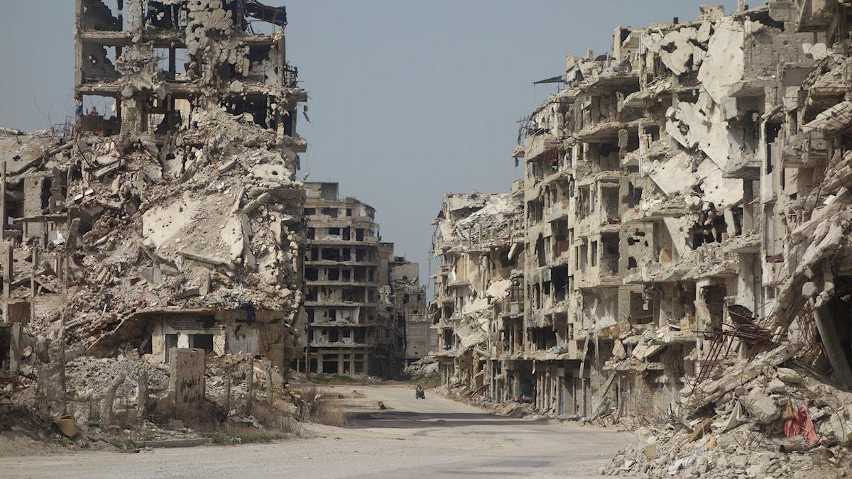 Ruiner i staden Homs i Syrien