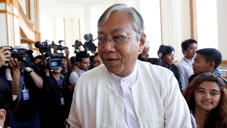 Det blev som väntat Htin Kyaw som fick flest röster av de tre presidentkandidaterna när parlamentet röstade i dag.