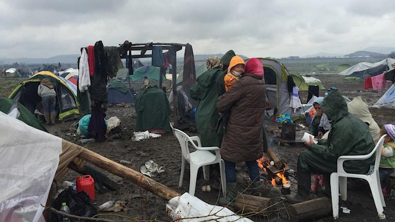 Läget i tältlägret har förvärrats på grund av regn och kyla
